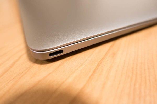 12インチMacBookはUSB-Type Cコネクタしかない