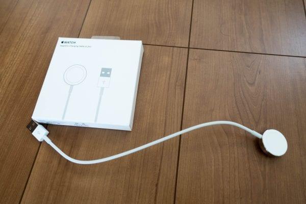 Apple純正マグネット式充電ケーブル