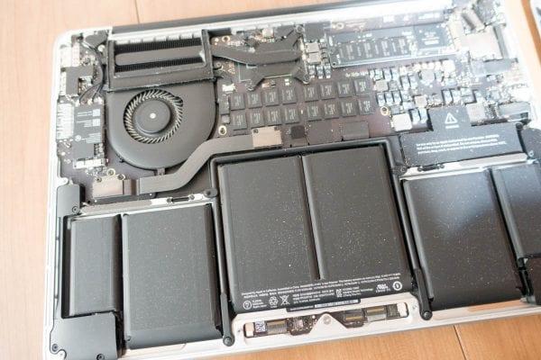 MacBook Proの内部