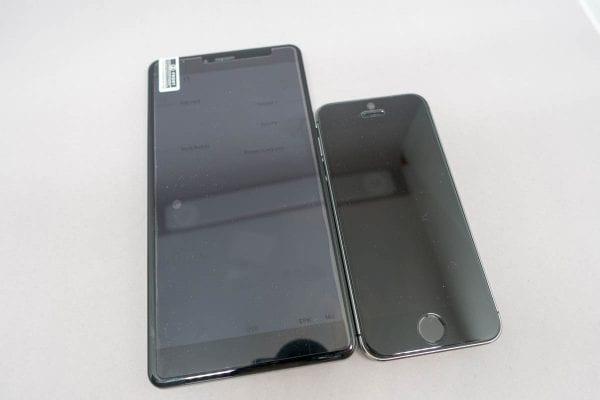 iPhone 5sと比較