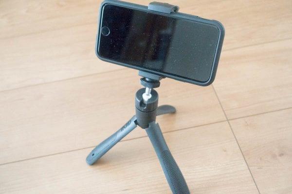 三脚として利用(iPhone 7)