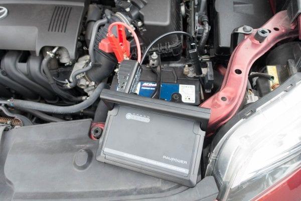 車のバッテリーへの接続状態