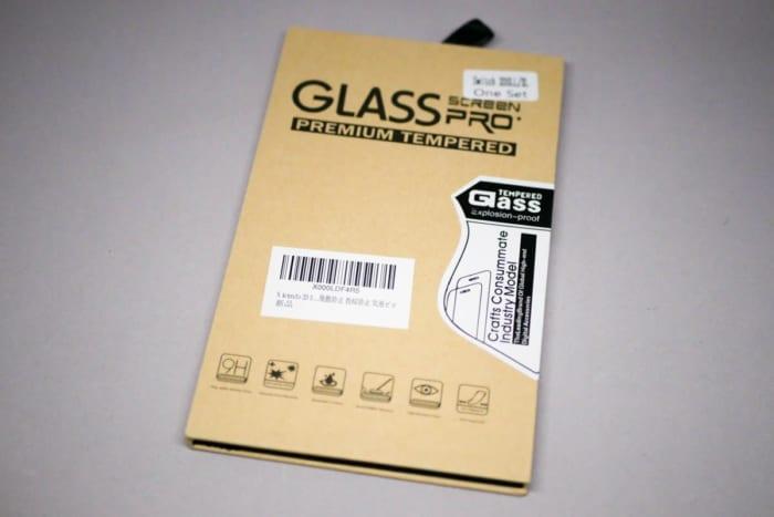 DOSMUNG製の保護ガラス