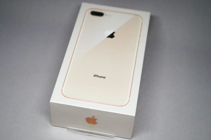 iPhone 8 Plus ゴールド