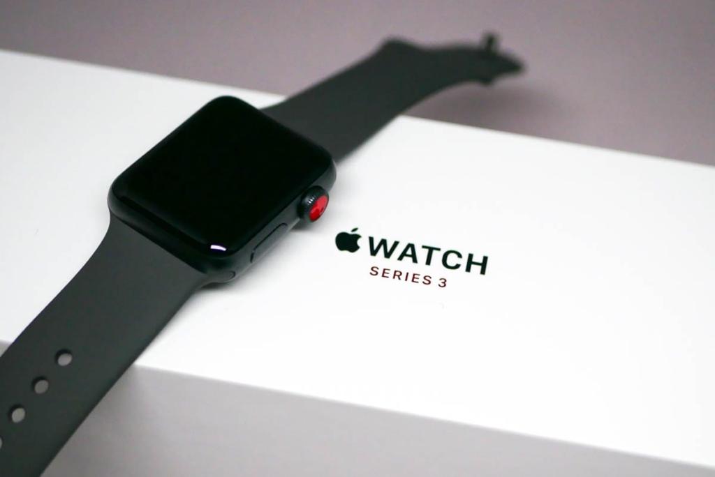 発売日に入手したApple Watch Series 3