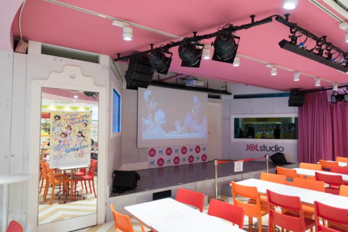 イベント準備前のステージ