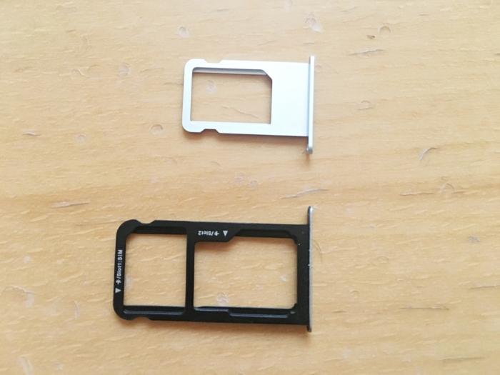 【トライアル到着】iPhone 6sとHUAWEI P10 liteのSIMスロット比較