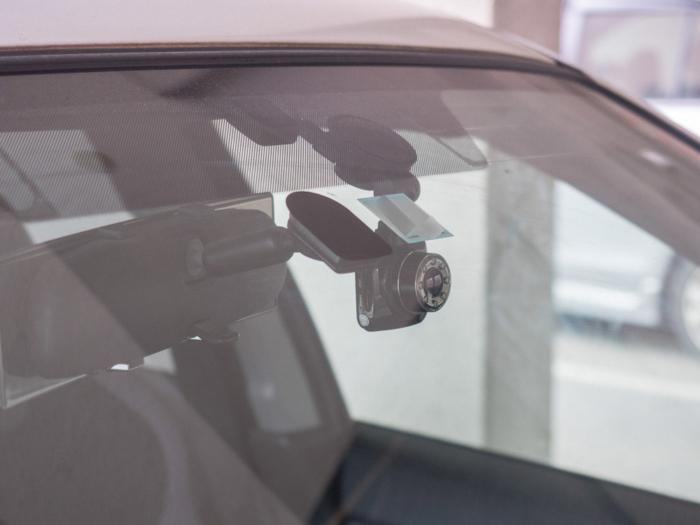 MUSON NOTE3 フロントガラス取付状況(外側から見たところ)