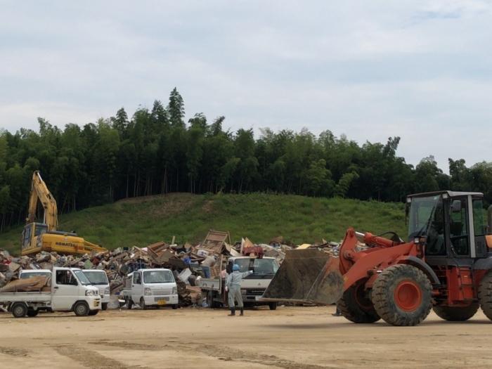 クリーンセンターのゴミの山