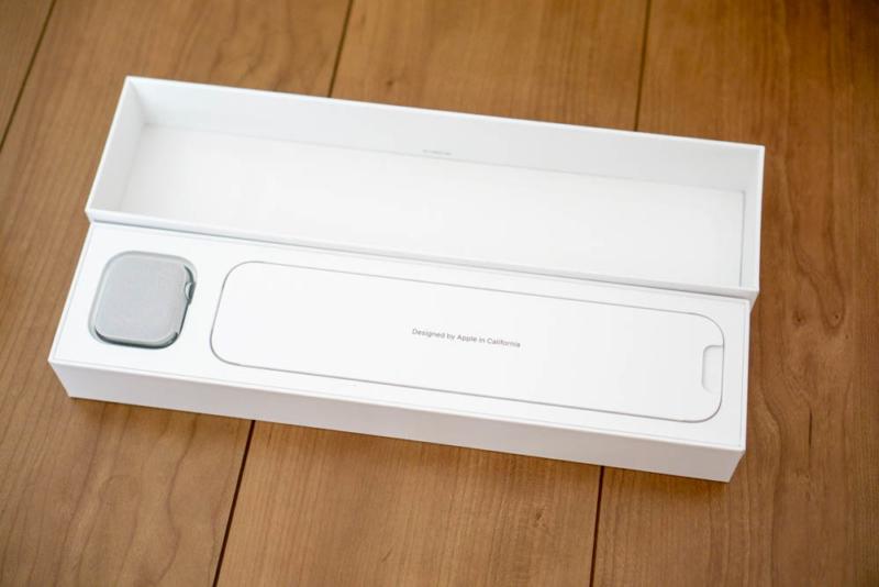 Apple Watch Series 4を開封