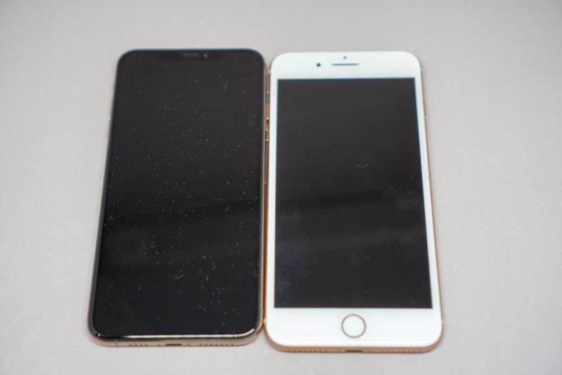 iPhone 8 PlusとiPhone XS Max