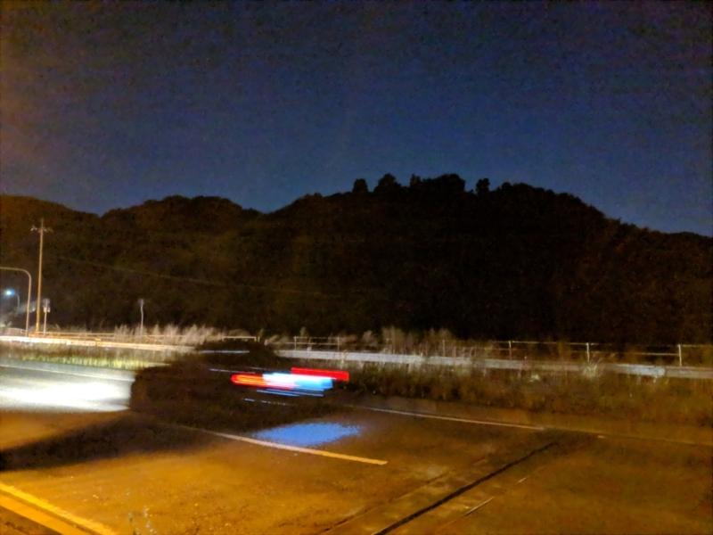 夜景モードは動く被写体に弱い