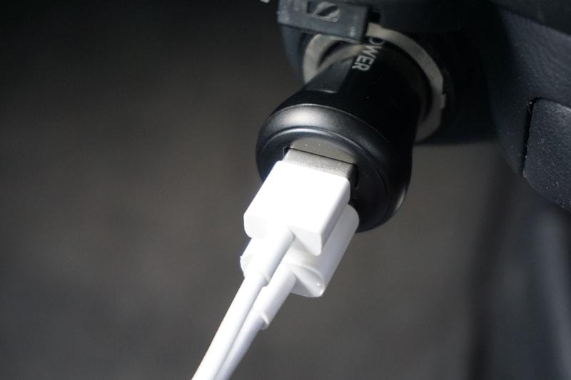 【RAVPower カーチャージャー シガーソケット USB 車載充電器】2つのUSBポートあり
