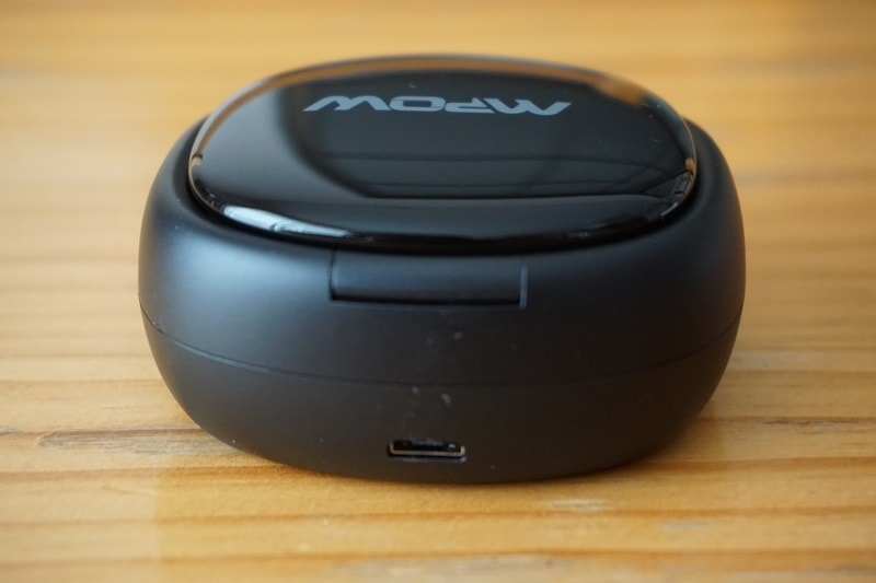 【Mpow T3 Bluetooth イヤホン】充電ケースの後ろ側