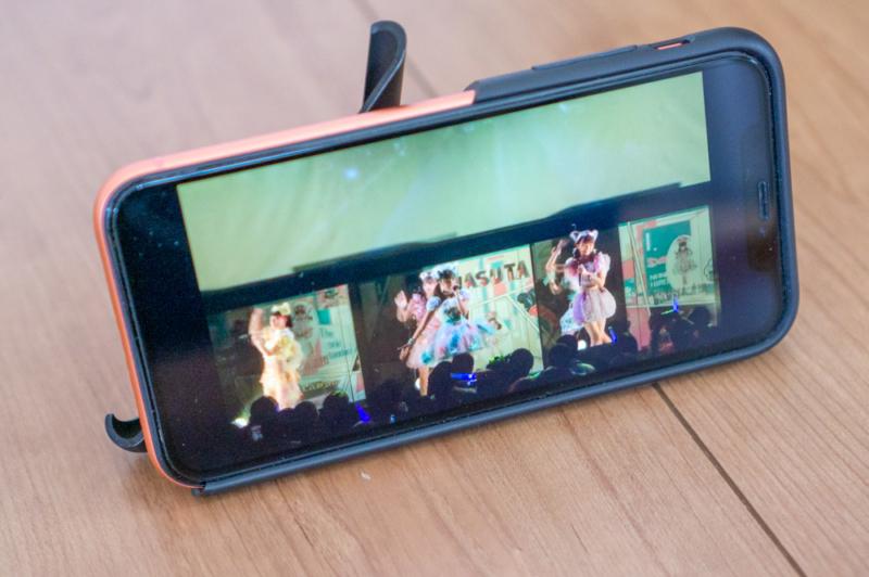 campino iPhone XRケース「OLE stand」レビュー動画視聴に便利