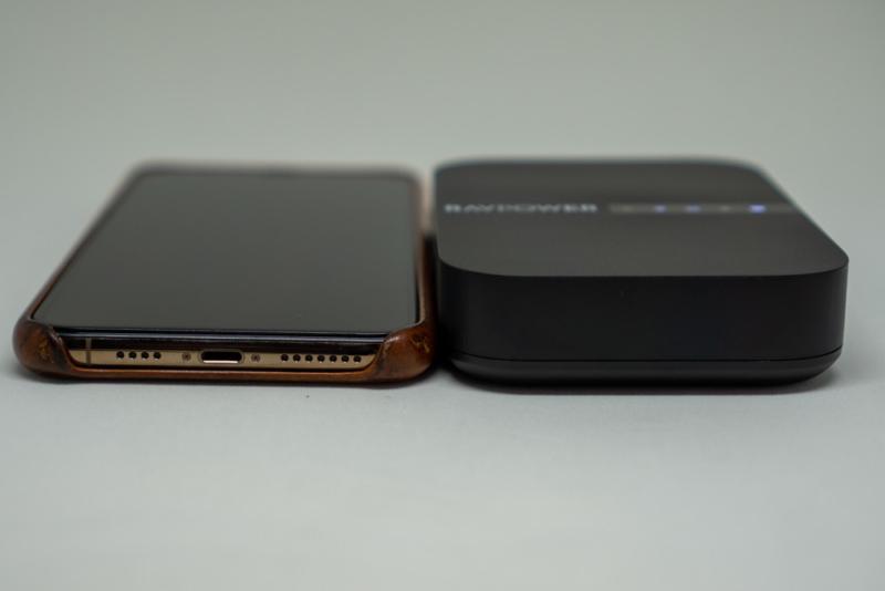 iPhone XS Maxとの厚み比較