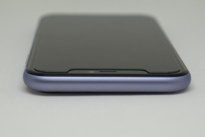 iPhone 11 上部