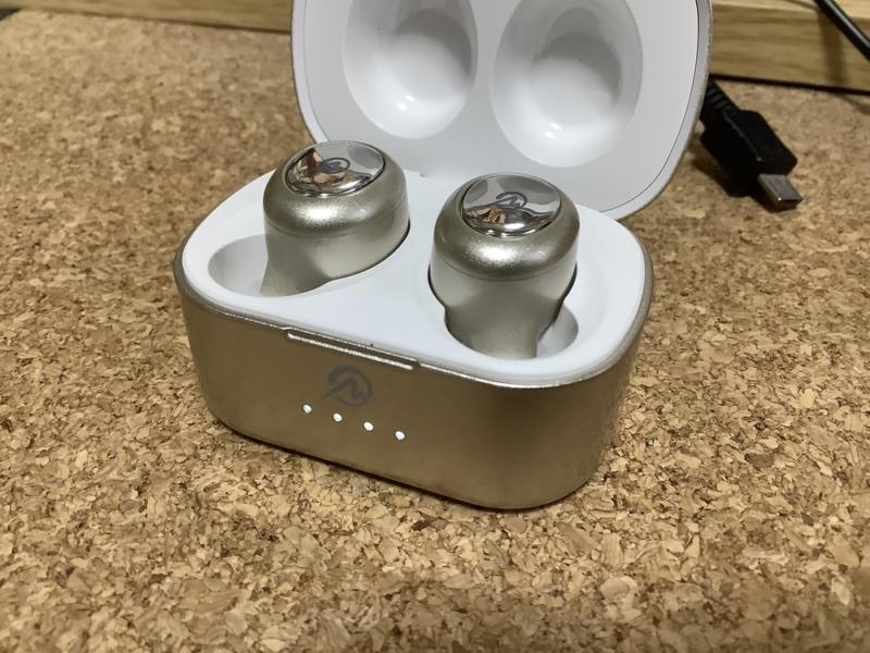 充電中LED発光
