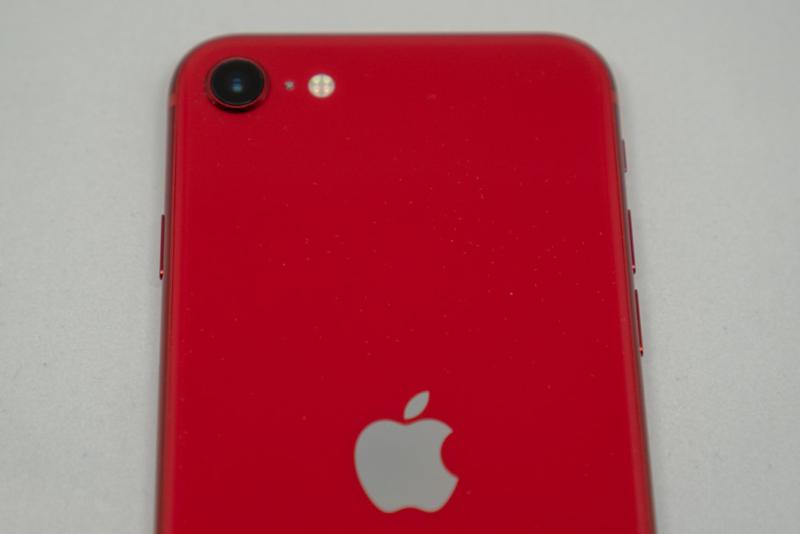 iPhone SE(第2世代)はシングルカメラ