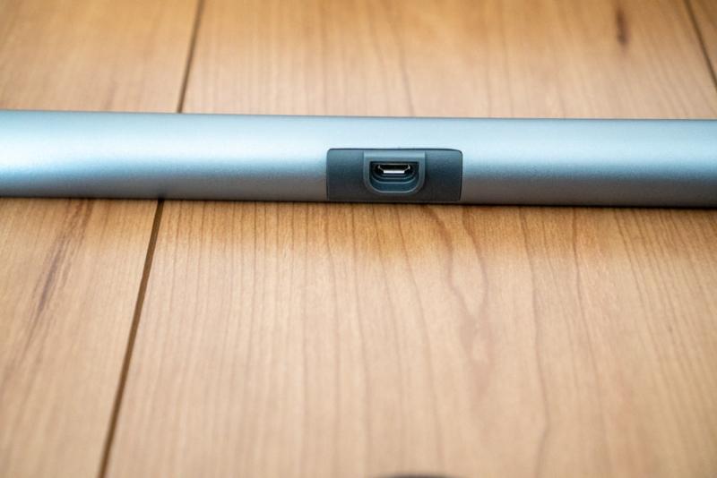 本体側はmicro-USB