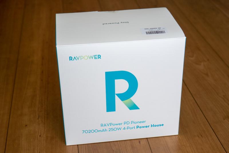 RAVPower ポータブル電源 RP-PB187のパッケージ