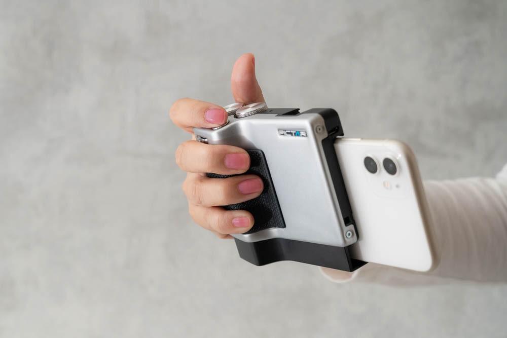 miggo PICTAR PRO Smartphone Camera Grip グリップ感