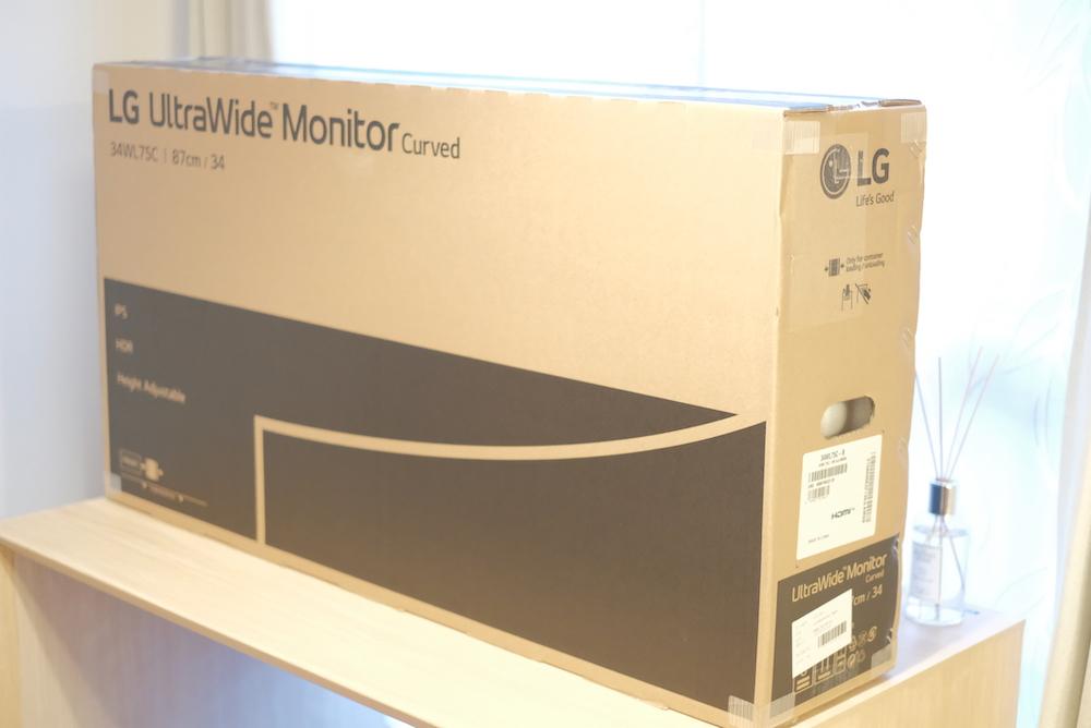 LG「34WL75C」曲面ウルトラワイドディスプレイ 外箱