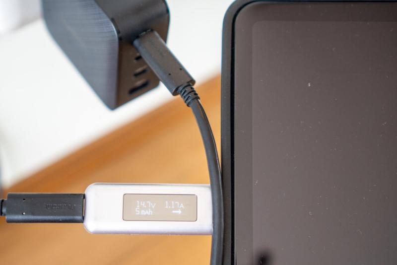 iPad Airを充電