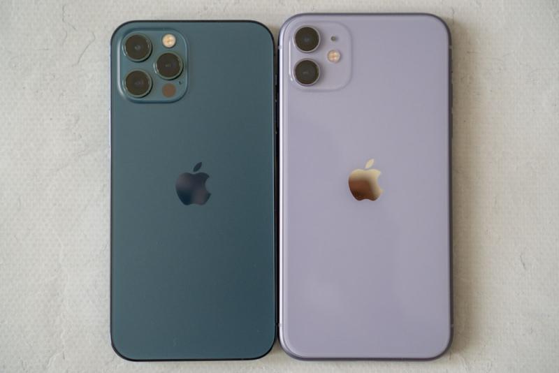 iPhone 12はコンパクト